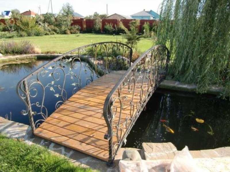 Садовые кованые мостики